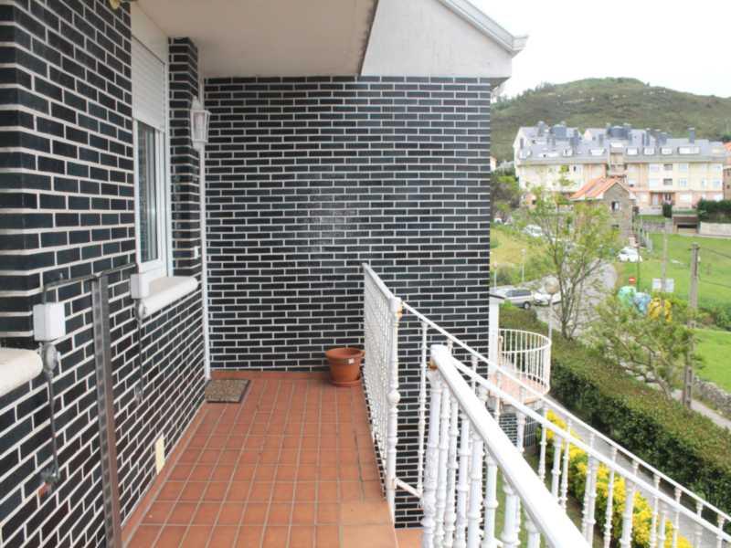 Duplex en venta en Liencres  de 3 Habitaciones, 2 Baños y 108 m2 por 183.000 €.