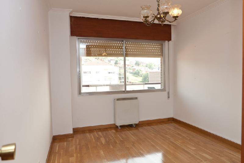 Apartamento en venta en Solares  de 1 Habitación, 1 Baño y 60 m2 por 50.000 €.