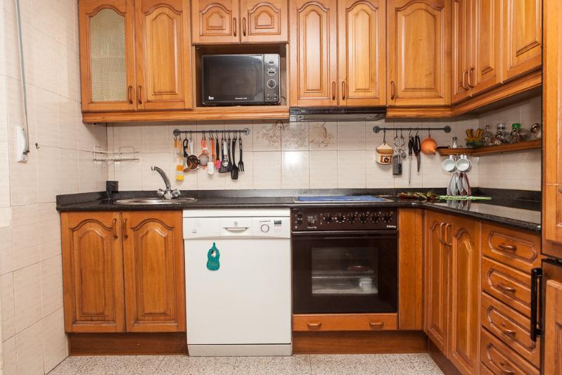 Piso en venta en El Astillero  de 3 Habitaciones, 1 Baño y 90 m2 por 54.900 €.