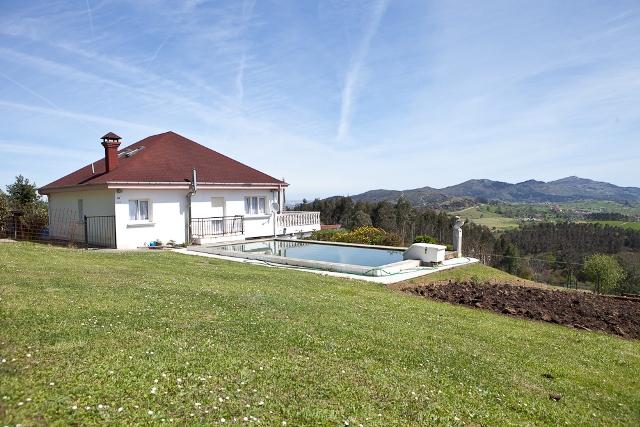 Casa en Saron (Cantabria)