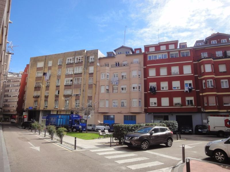 Piso en venta en Santander  de 2 Habitaciones, 1 Baño y 64 m2 por 98.000 €.