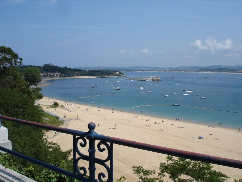 Piso en alquiler en Santander  de 2 Habitaciones, 1 Baño y 80 m2 por 850€/mes.