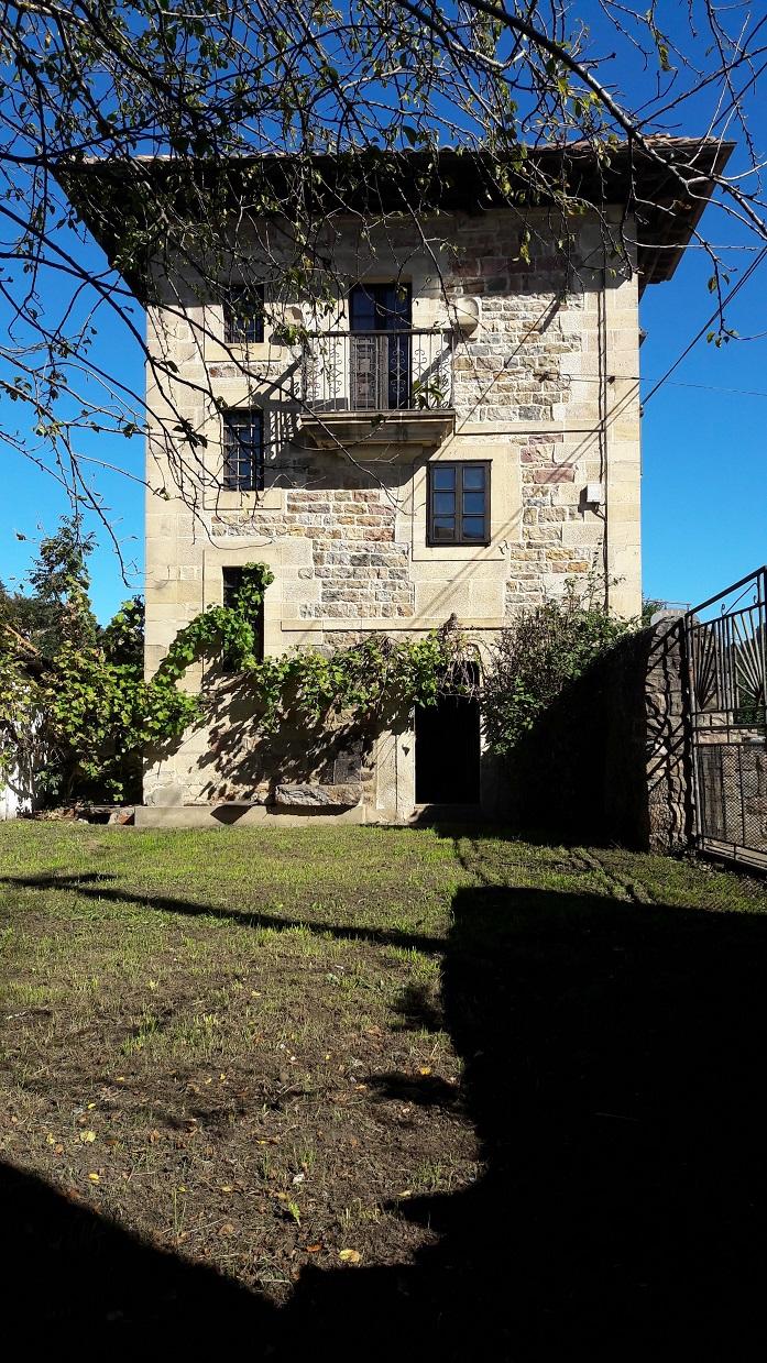 Casa en Renedo De Cabuerniga - CANTABRIA de 3 habitacion/es por 220.000 €