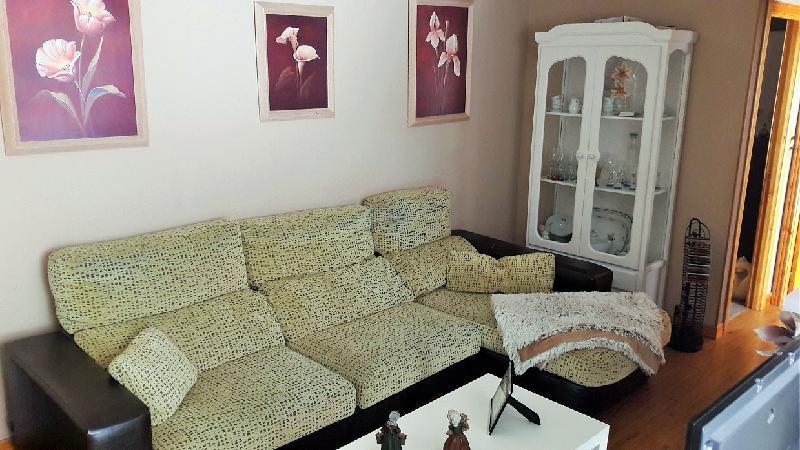 Piso en venta en Los Corrales De Buelna  de 2 Habitaciones, 1 Baño y 85 m2 por 94.000 €.