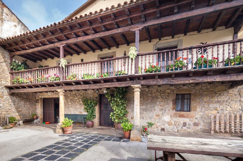 Casa en Entrambasaguas - CANTABRIA