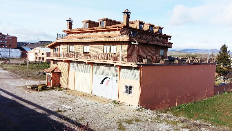 Edificio en Aguilar De Campoo (Palencia) por 790.000 €
