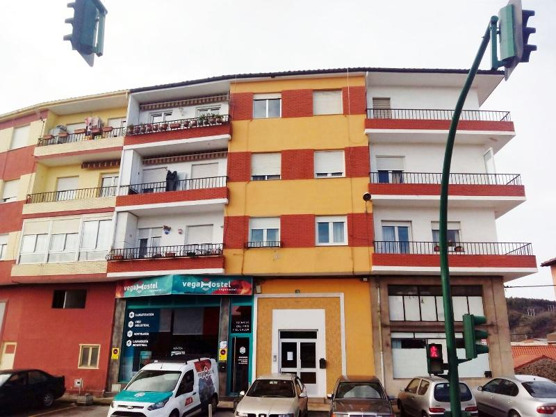 Piso en Torrelavega (CANTABRIA) por 49.900 €