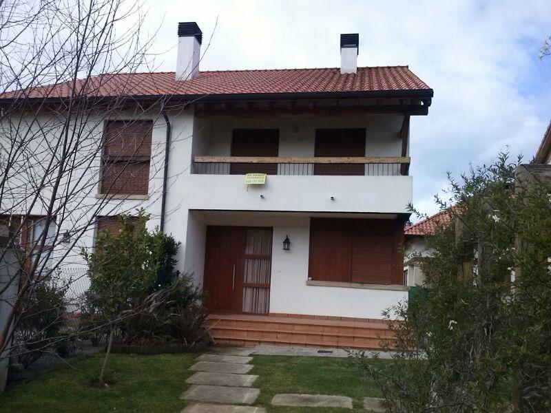 Chalet Pareado en Molleda (CANTABRIA) por 176.000 €