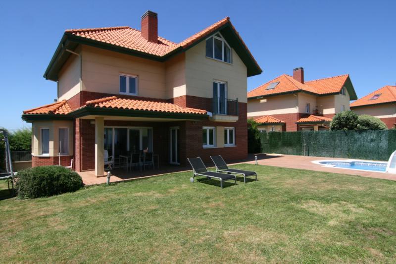 Chalet Individual en Liencres (CANTABRIA) por 449.000 €