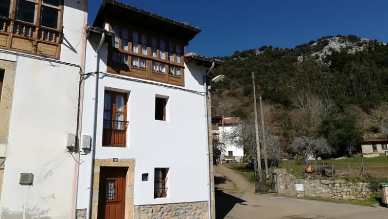 Casa en  (Asturias) por 63.000 €