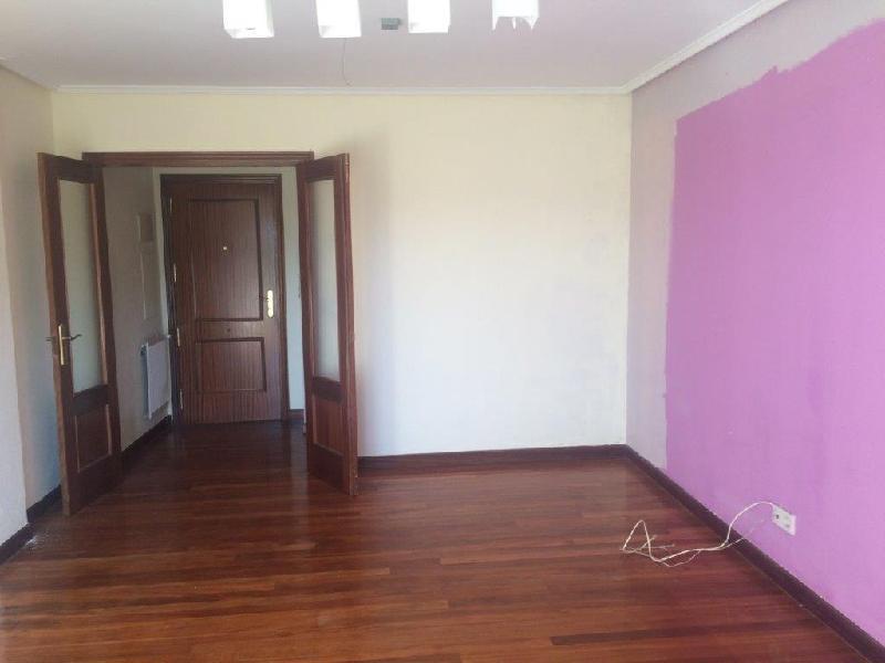 Ático en venta en Castro Urdiales  de 3 Habitaciones, 1 Baño y 89 m2 por 172.000 €.
