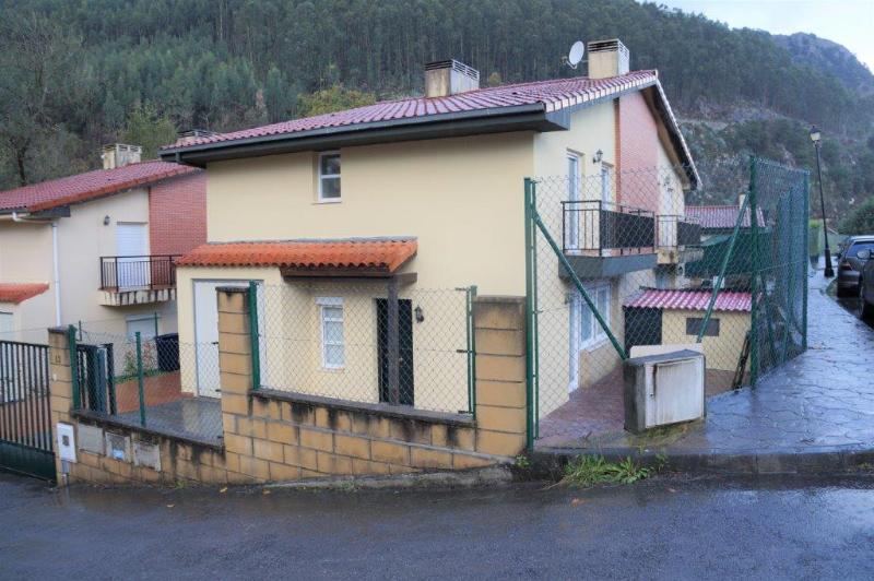 Chalet Pareado en Otañes - CANTABRIA de 3 habitacion/es por 800 €/mes