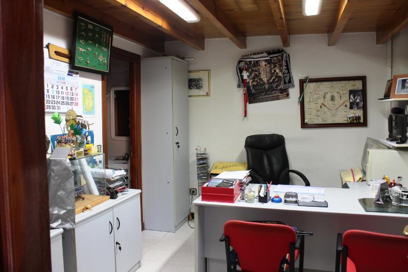 Local Comercial en SantoÑA (CANTABRIA) por 110.000 €