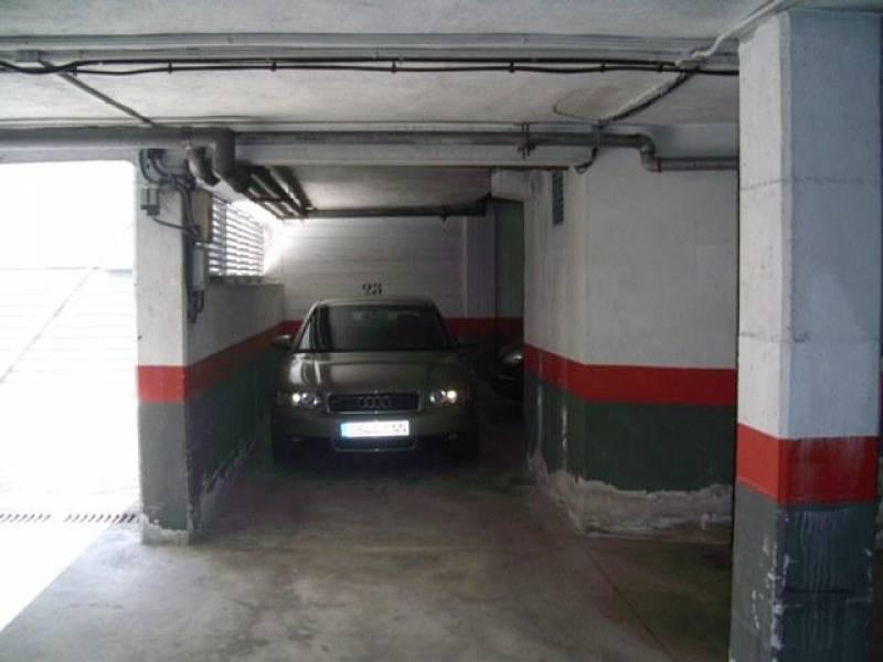 Garaje en Zona del Ayuntamiento - Zizur Mayor (Navarra)