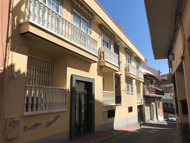 Bajo en Arganda Del Rey (Madrid)