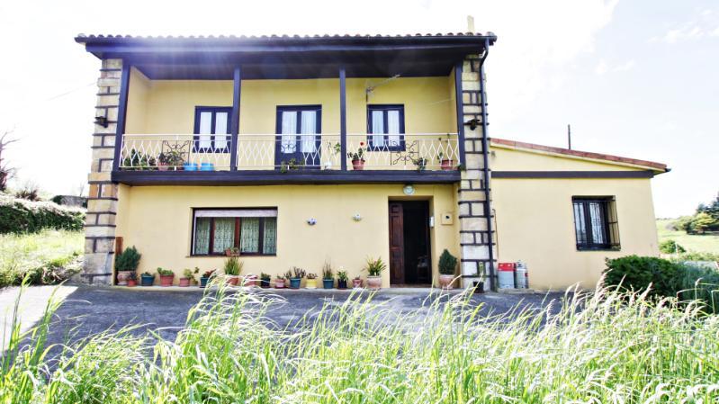 Casa en LiaÑO (CANTABRIA) por 390.000 €