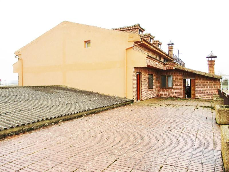 Edificio en Aguilar De Campoo - Palencia