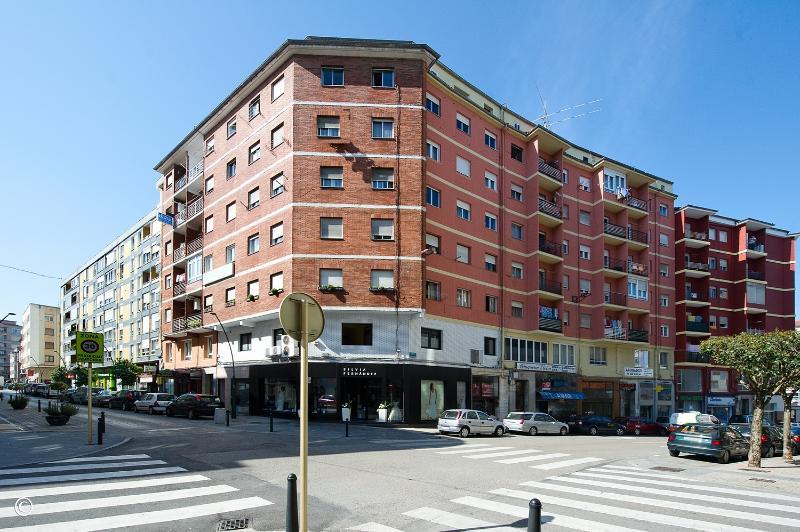 Piso en Torrelavega (CANTABRIA) por 55.000 €