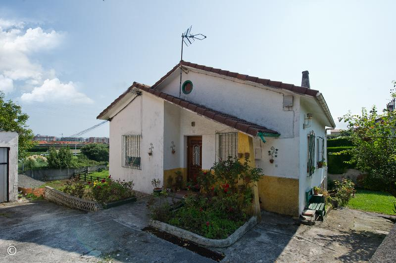 Casa en Herrera De Camargo (CANTABRIA) por 145.000 €