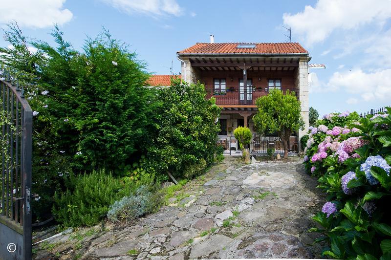 Casa en Cudon (CANTABRIA) por 270.000 €