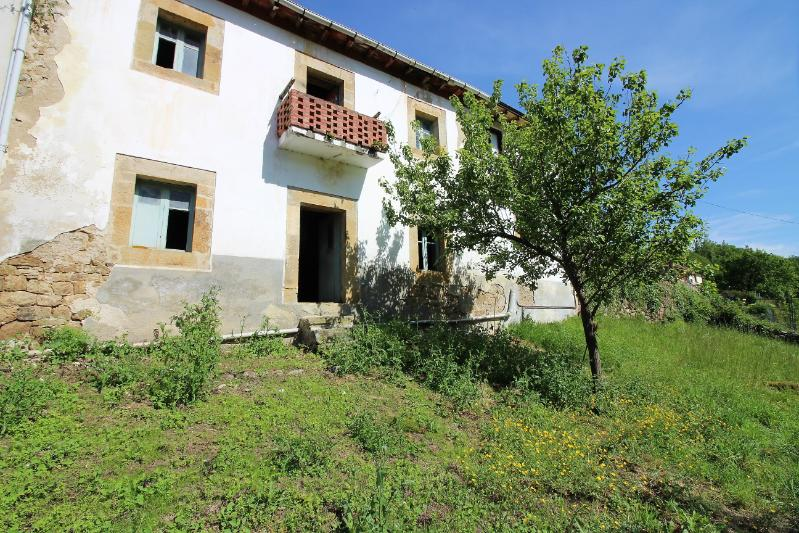 Casa en Luena (CANTABRIA) por 27.000 €